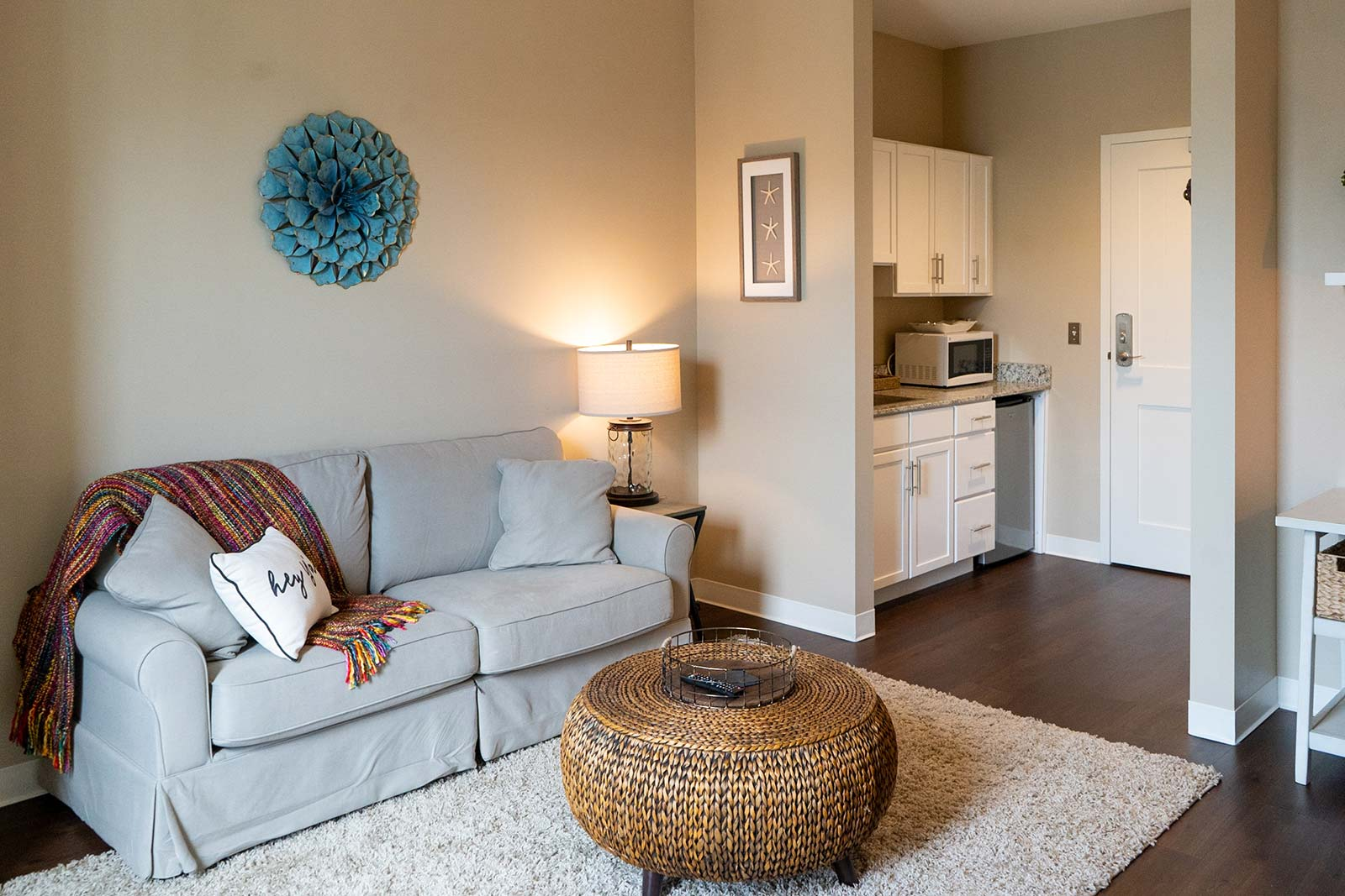 Assisted living apartment living room at The Arbors of Gulf Breeze in Gulf Breeze, FL